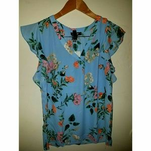 PREMISE Studio lady's blue floral top